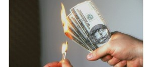 BURNING-MONEY (factfreenews dotcom)
